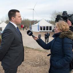 Peaminister Jüri Ratas Alexela terminali asukohas Paldiskis.