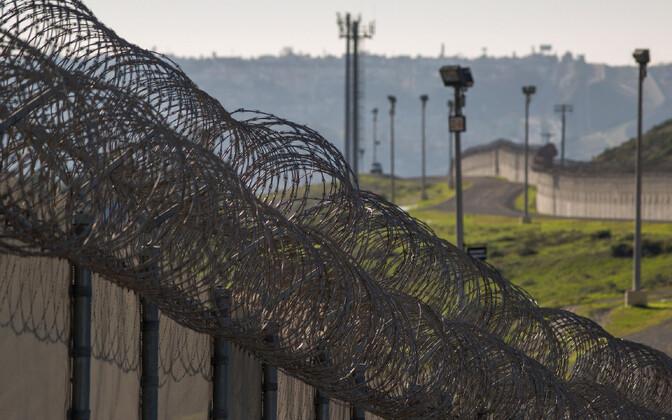 Osa enne president Trumpi võimuletulekut juba eksisteerinud piiritõkkest USA-Mehhiko piiril.
