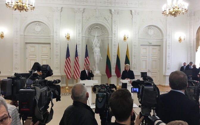 U.S. Secretary of Defense James Mattis and President Dalia Grybauskaite in Vilnius, May 10, 2017.