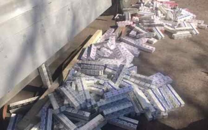 Российская таможня не пустила в Эстонию крупную партию контрабандных сигарет.