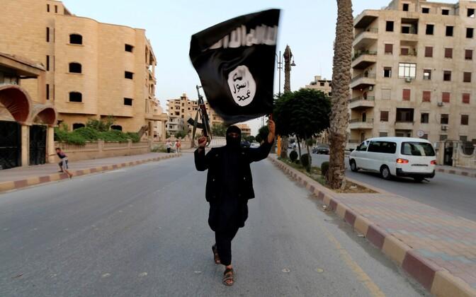 ISIS-e liige Raqqas 2014. aastal.