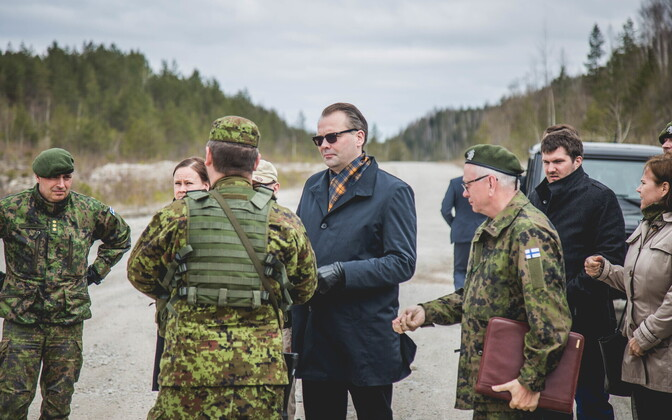 Finnish Minister of Defence Jussi Niinistö visiting Spring Storm.