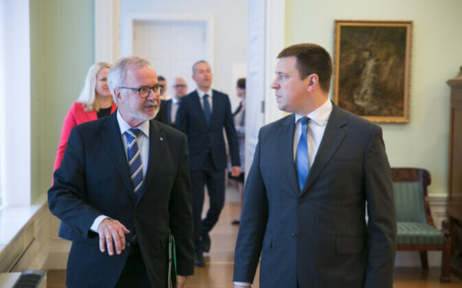 EIB Preident Werner Hoyer and Prime Minister Jüri Ratas. May 18, 2017.