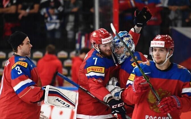 Российские хоккеисты вышли в полуфинал.