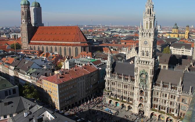 В Мюнхене на площади Мариенплац 54-летний мужчина совершил акт самосожжения.