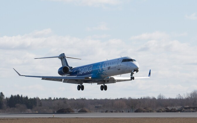 A Nordica jet coming in for a landing at Tallinn Airport.