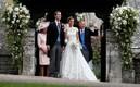 Pippa Middleton ja James Matthews poseerimas pärast laulatust.