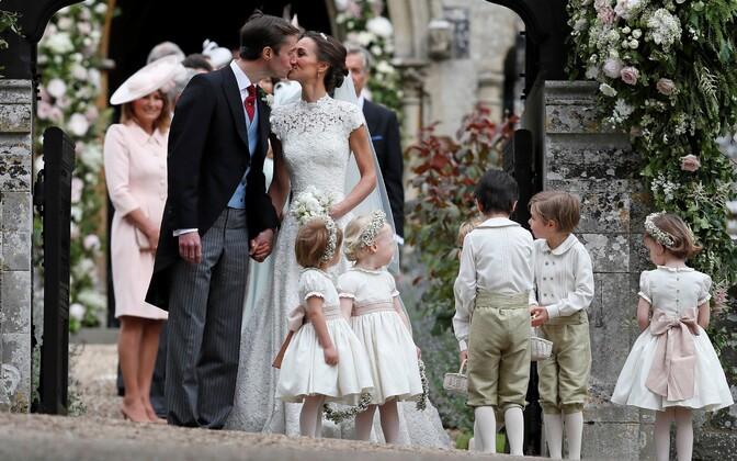 Pippa Middleton ja James Matthews vahetult pärast laulatust