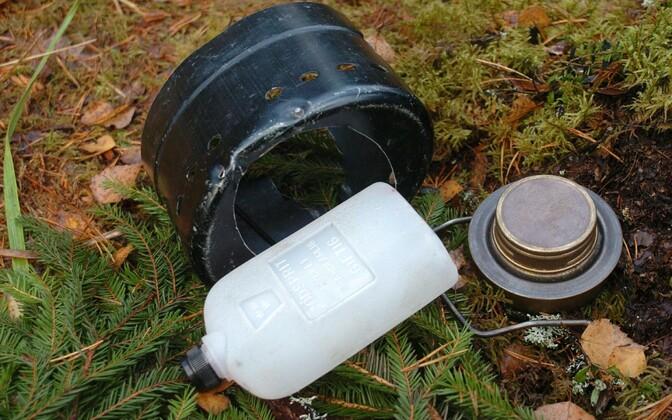 Горелка в ходит в обязательную комплектацию снаряжения каждого эстонского солдата и используется для приготовления еды в полевых условиях.