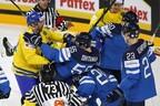 В полуфинале финны (в синем) проиграли шведам.