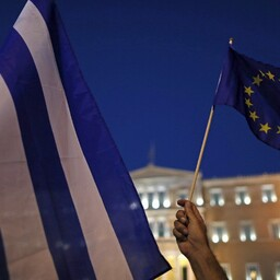 Kreeka ja Euroopa Liidu lipp Ateenas.