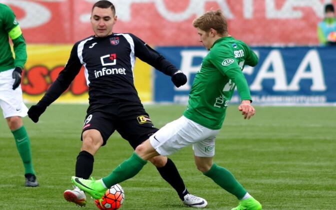 Альберт Проза (в черном) забил шесть голов.