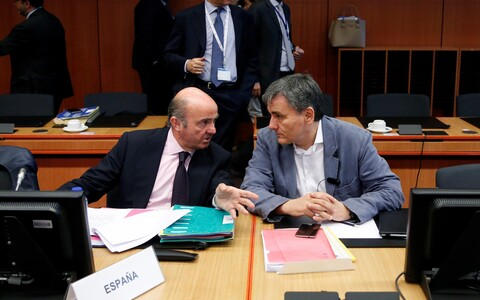 Внешний долг Греции составляет 179% ВВП.
