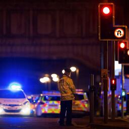 Politsei on juurdepääsu Manchester Arenale tõkestanud.