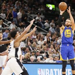 Stephen Curry (viskel) tõi Warriorsile 36 punkti.