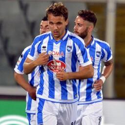 Pescara mängijad väravat tähistamas.