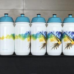 Astana lasi Michele Scarponi mälestuseks kujundada erilise veepudeli.