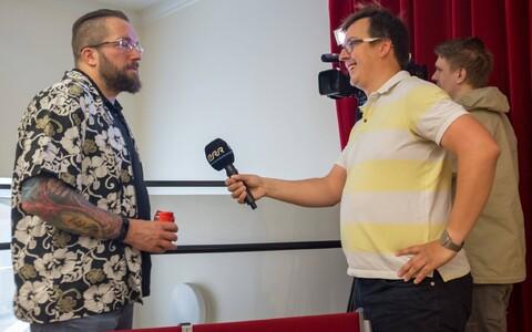 Toimetaja Randel Kreitsberg intervjueerimas Rosetta missiooni juhtivteadurit Matt Taylorit.