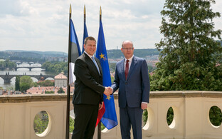 Prime Minister Jüri Ratas with Czech Prime minister Bohuslav Sobotka in Prague on Tuesday. May 23, 2017.