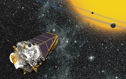 Kepleri teleskoobiga, milles kasutatud Bernhard Schmidti leiutatud optilist süsteemi, on tänaseks avastatud üle 2000 eksoplaneedi.