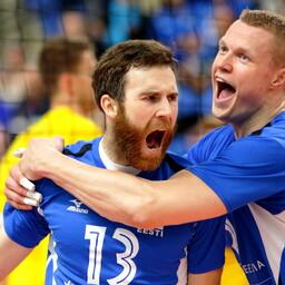 Võrkpalli MM-valikmäng Eesti - Rumeenia / Andres Toobal ja Andrus Raadik