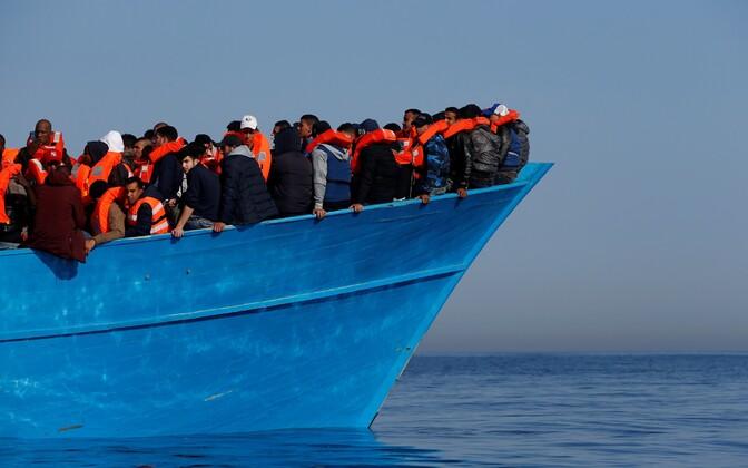 Migrantidelaev Vahemerel.