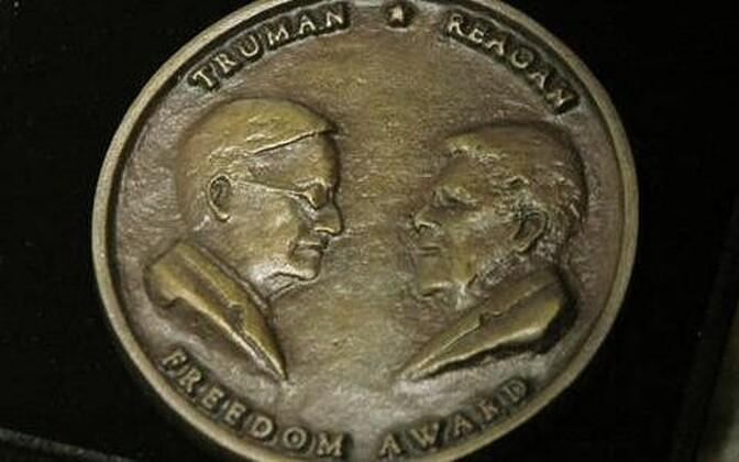 Медаль свободы Трумэна-Рейгана.
