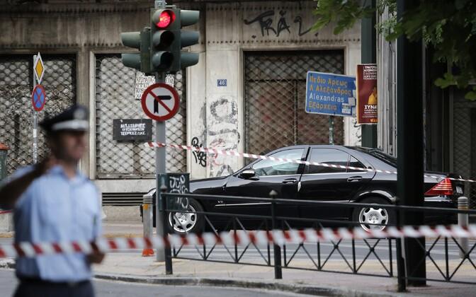 Kreeka ekspeaminister sai autoplahvatuses vigastada.