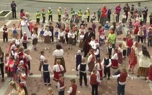 Kohtla-Järvel peeti laste laulu- ja tantsupidu.