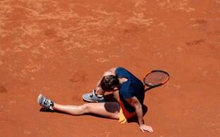 Simona Halep vigastas Rooma turniiri finaalis hüppeliigest.