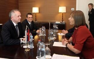 Slovakian President Andrej Kiska with President Kersti Kaljulaid in Bratislava.