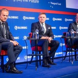 Vasakult: Tusk, Fico ja Sobotka 28. mail Bratislavas.