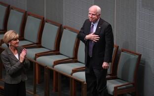 USA senaator John McCain kohtumisel Austraalia välisministri Julie Bishopiga.