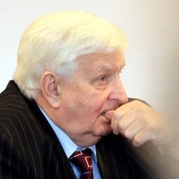Геннадий Кульков лишился поста мэра Калласте.