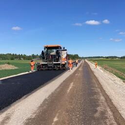 Piibe maanteed küll hooldatakse iga-aastaselt, ent ei arendata edasi. Selleks on riigi põhimaanteed.