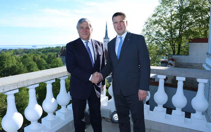 President of the European Parliament Antonio Tajani and Prime Minister Jüri Ratas at Stenbock House on Tuesday. May 30, 2017.