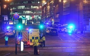 Kiirabiauto Manchesteris vahetult pärast terrorirünnakut.