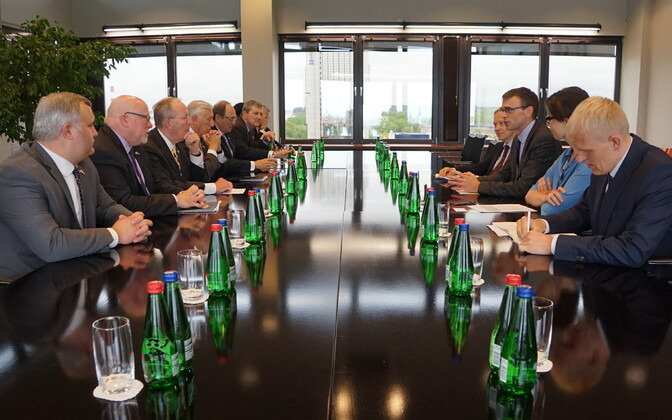 A delegation of U.S. congressmen meeting with Minister of Foreign Affairs Sven Mikser in Tallinn. May 31, 2017.