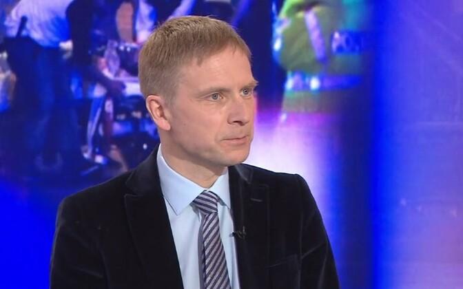 Ээрик-Нийлес Кросс озабочен словами Михаила Корба на тему референдума в Крыму.