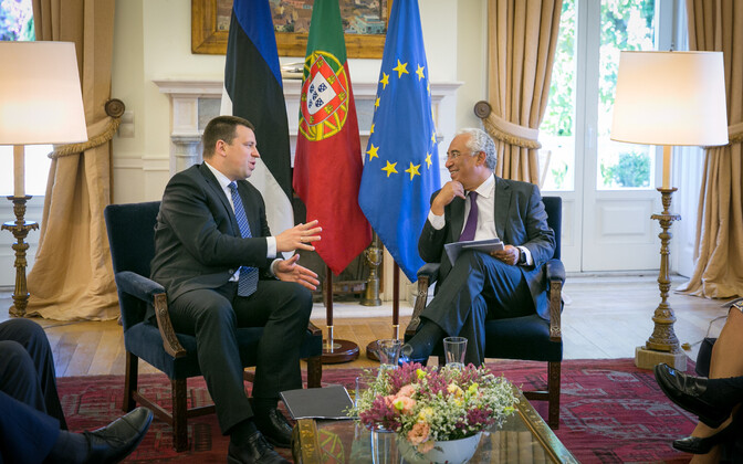 Prime Minister Jüri Ratas with Portuguese Prime Minister António Costa in Lisbon on Monday. June 5, 2017.