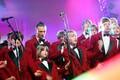 19. märtsil 2006 toimus Tartus Vanemuise Kontserdimajas galaõhtu, kus anti kätte iga-aastased traditsioonilised EFÜ Eesti muusikaauhinnad.  Pildil Tanel Padar & The Sun koos Tallinna Poistekooriga esitamas laulu