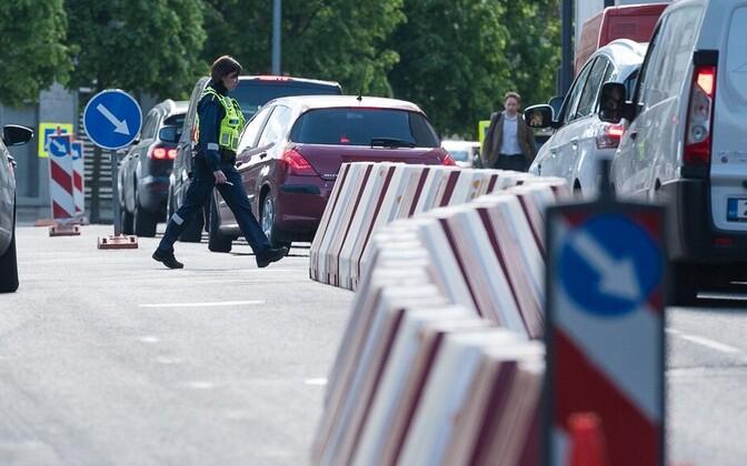 Tallinn paistab silma liiklusmärkide rohkusega.