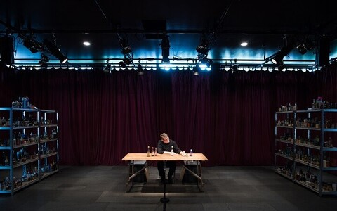 """Forced Entertainmenti suurprojekt """"Complete Works: Table Top Shakespeare"""""""
