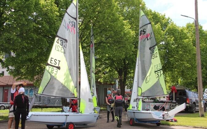 Pärnu Purjetamisnädala tuuletu teine võistluspäev kaldal