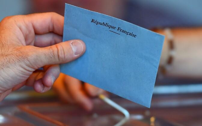 ВоФранции стартовало голосование впервом туре парламентских выборов