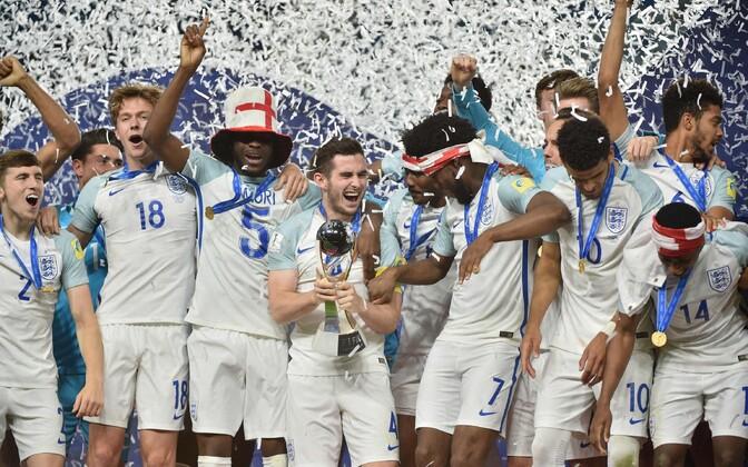 Молодежная сборная Британии пофутболу стала чемпионом мира