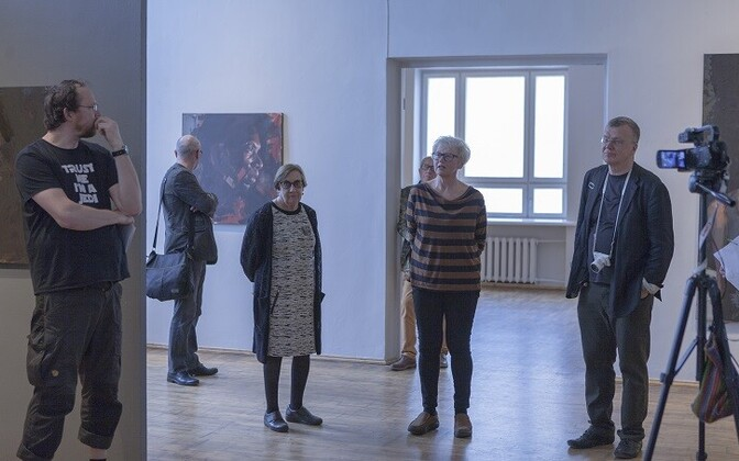 Siiri Jürise kaitsmisel vasakult Peeter Talvistu, Vano Allsalu, Mari Roosvalt, Anne Parmasto ja Jaan Elken.