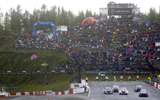 Andreas Bakkerud ja Petter Solberg (parempoolsed) kvalifikatsioonisõidus.
