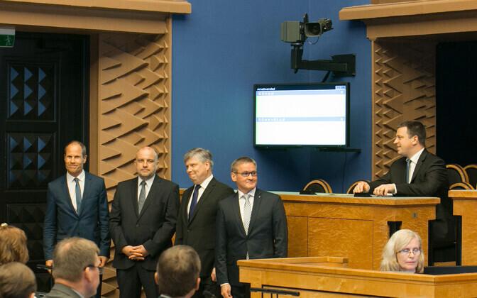 Left to right: Toomas Tõniste, Jüri Luik, Siim Kiisler, Jaak Aab, Prime Minister Jüri Ratas.