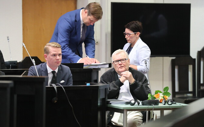 Edgar Savisaar on trial in Harju County Court on Tuesday. June 13, 2017.